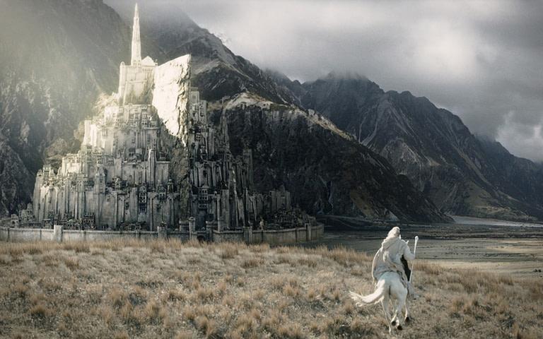 La Ciudad de Minas Tirith: Cultura y Tradiciones
