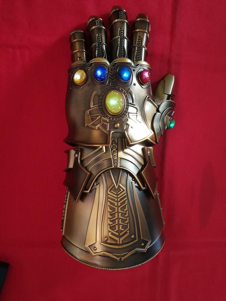 Guante de Thanos gemas del infinito Avengers Infinity War s0218