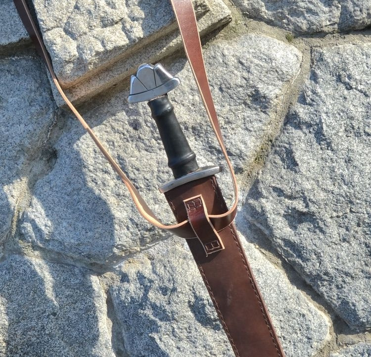 Vaina de cuero para espadas vikingas SWA40