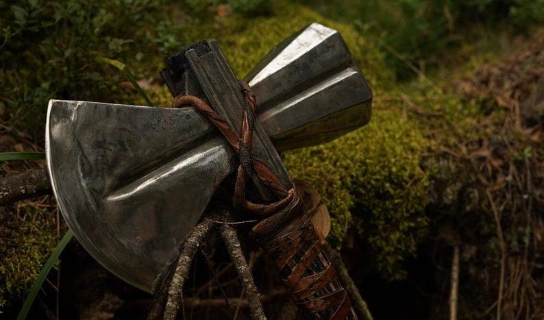 Stormbreaker o hacha de Thor de metal, funcional afilada o sin afilar