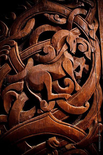 Arte vikingo en madera