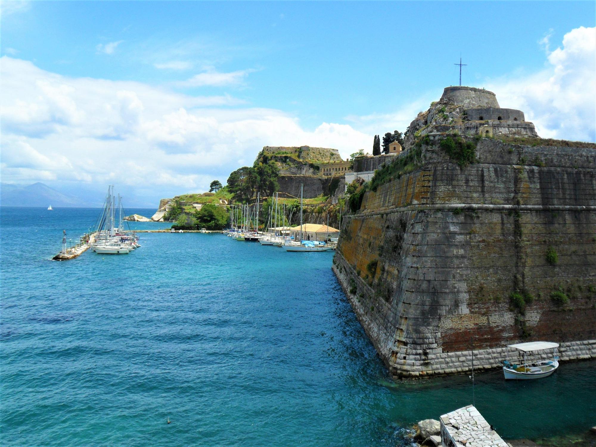 Corfú: Mitos griegos, 4 castillos y muchas batallas.